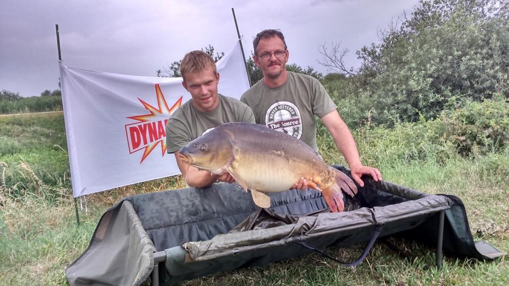 """Big fish karpis - 14,310 kg., kurį sugavo komanda ,,Dynamite baits - Žūklys 2"""""""